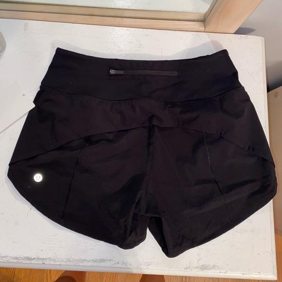 """lululemon athletica Pants - NWT Lululemon Speed Up MR Short 4"""""""
